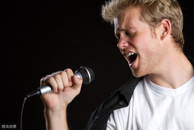 五音不全怎么唱歌?记住这几个技巧,从此唱歌不费力 刑事辩护 第1张