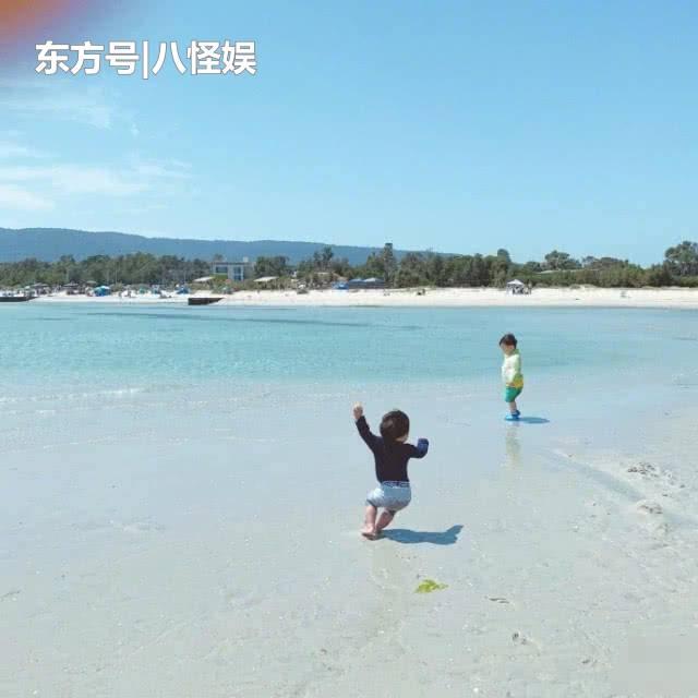 """张歆艺晒儿子海边玩耍,拍摄四坨扑街却不扶,被""""吐槽""""是亲妈! 合同纠纷 第3张"""