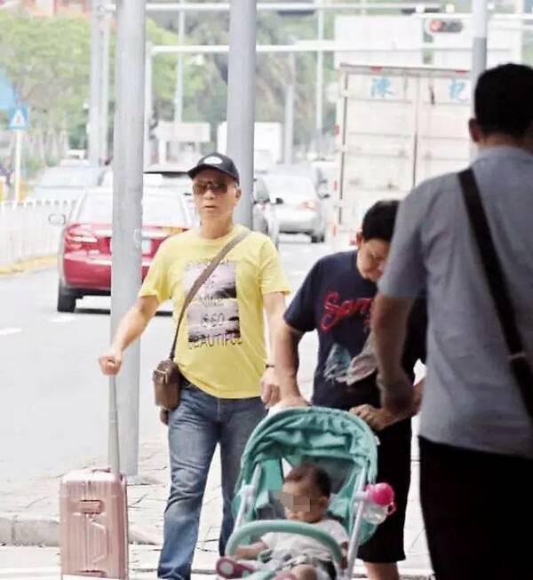 原创 前TVB绿叶再度偷搭长发美女逛街,遭传媒曝光后回应,我会小心的 知识产权 第9张