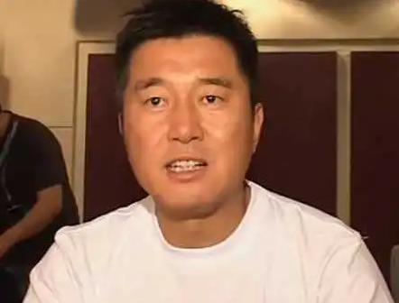 同为草根明星,王宝强功成名就,而他却声名狼藉? 婚姻家庭 第12张