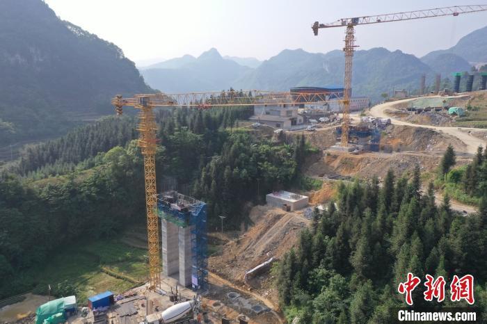 宜彝高速葫包咀大桥有望于9月底完成